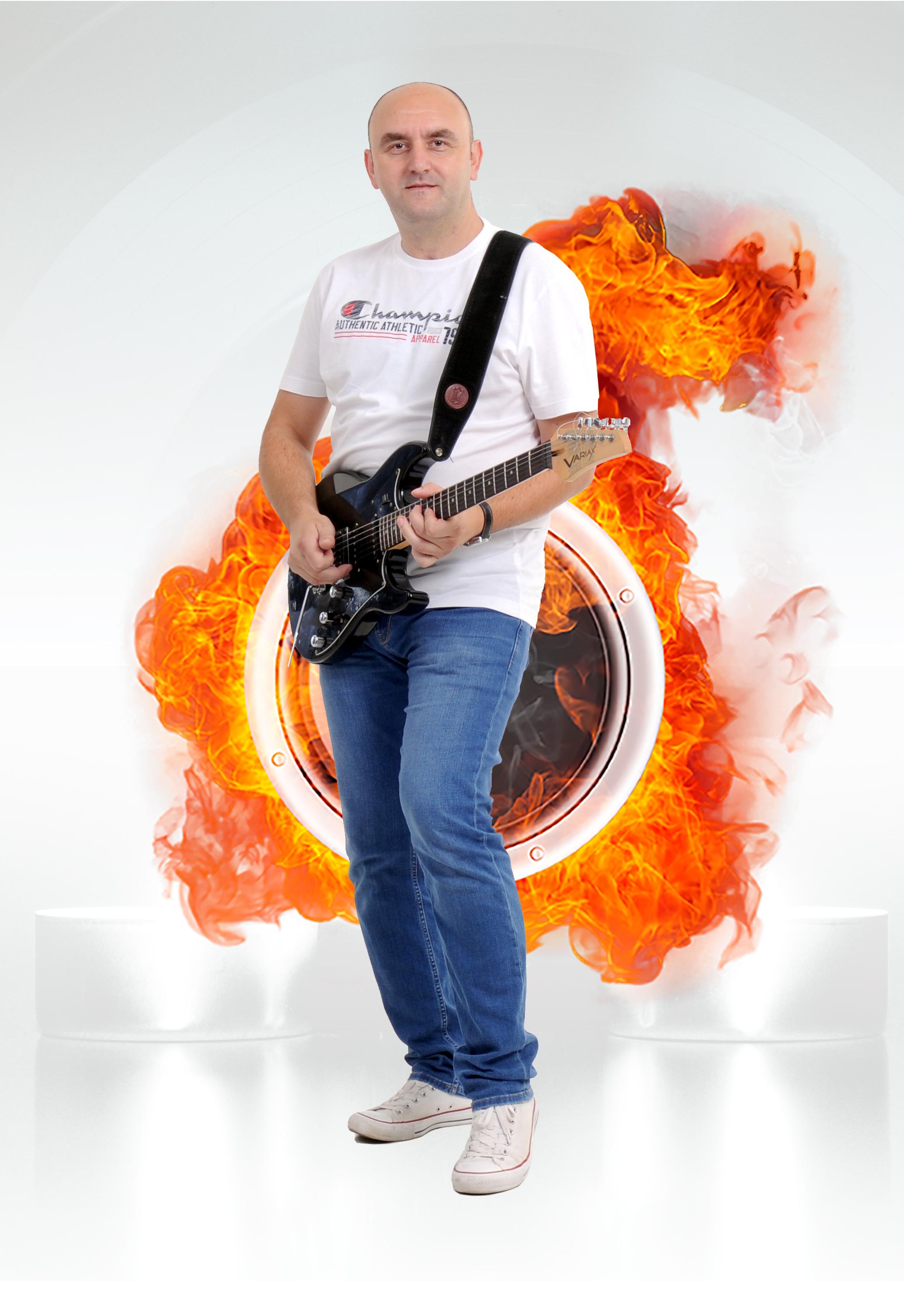 Dejan Kajiš (gitara)